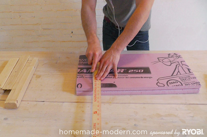 HomeMade Modern DIY EP16 Concrete Planter Passo 1