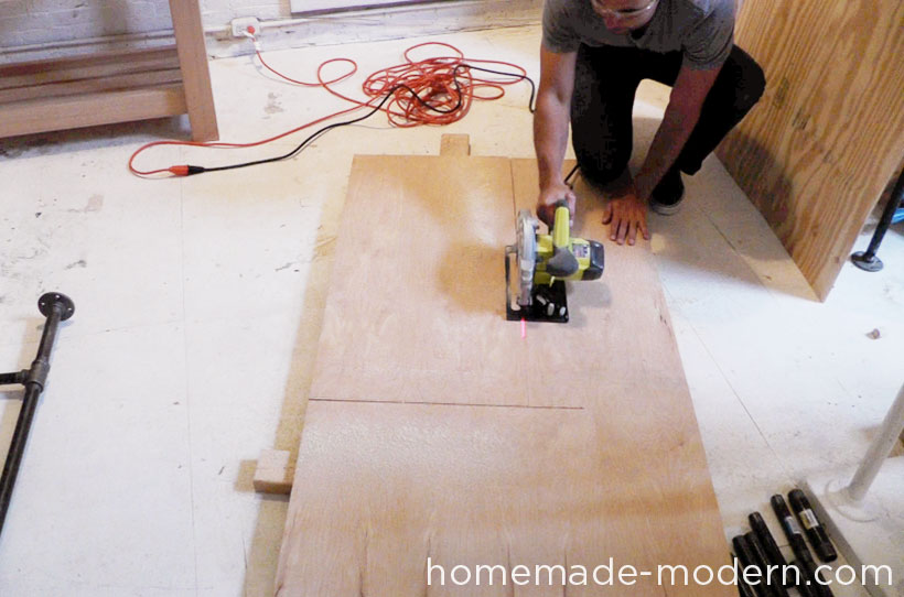 HomeMade Modern DIY EP40 Concrete + Iron Bar Table Step 11