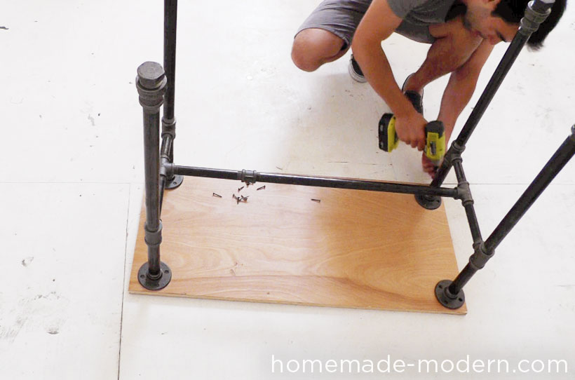 HomeMade Modern DIY EP40 Concrete + Iron Bar Table Step 12