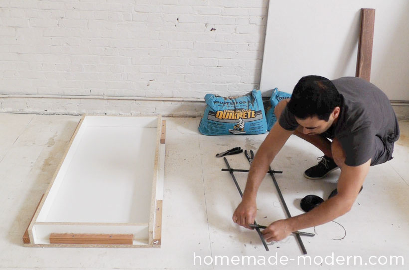 HomeMade Modern DIY EP40 Concrete + Iron Bar Table Step 5