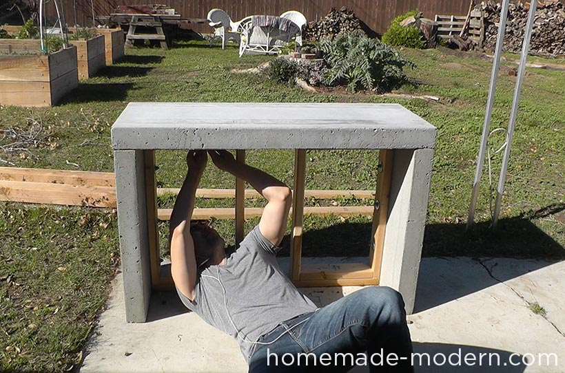 HomeMade Modern DIY EP55 Concrete Bar Step 18