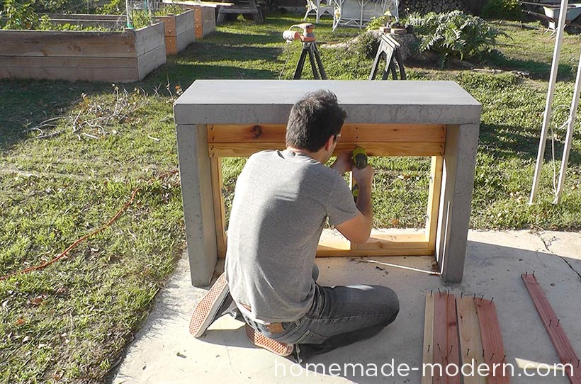 HomeMade Modern DIY EP55 Concrete Bar Step 19