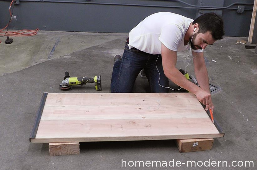 HomeMade Modern DIY EP68 Pipe Coffee Table Step 4