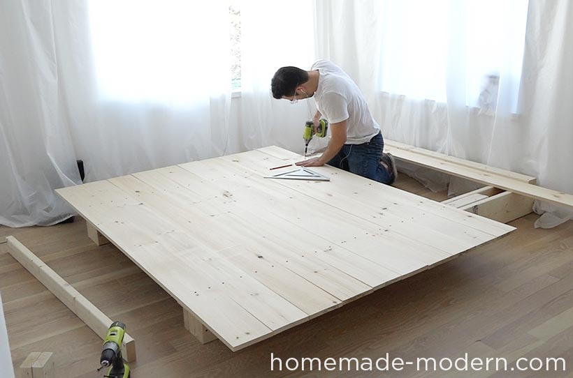 This Diy Platform Bed Is Made Out Of Xs Xs And Pine Boards I